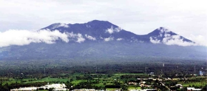 Mount Banahaw Photograph c/o Philippine Daily Inquirer, Delfin T. Mallari