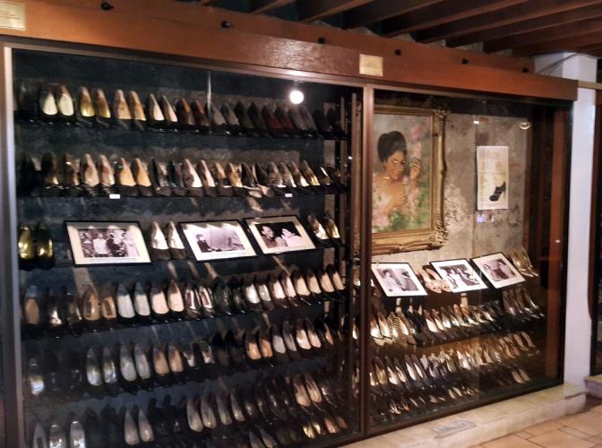03 1998 Marikina Shoe Museum 6.jpg
