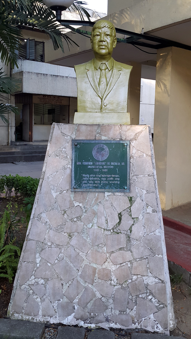 02 Marikina City Hall,  1960-86 Osmundo De Guzman 1