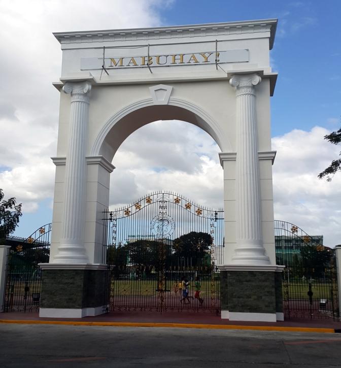 2001 Marikina Sports Park, Victor Arch