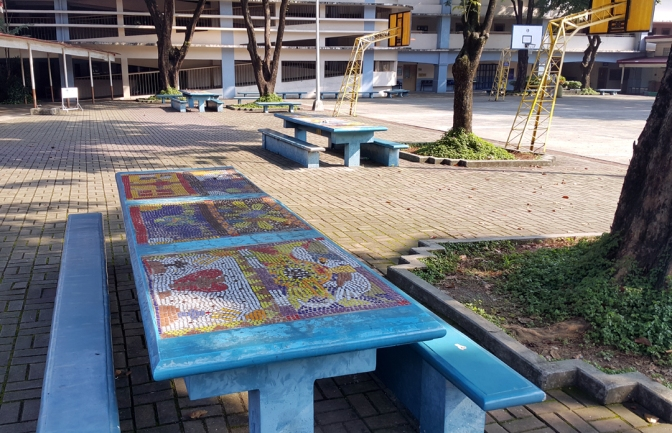 20 Vincent Pinpin with AGS students - Mosaic Tables