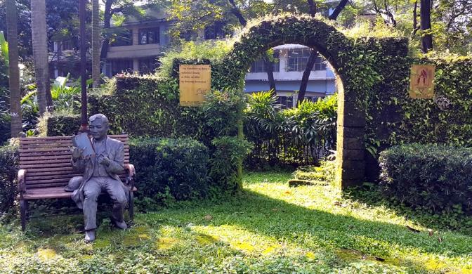 28 1999 Paul Albert Quijaño - Jose Rizal Park 2