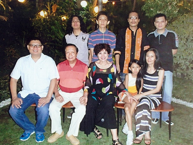 02 The Olivares Family, with three generations of Maryknoll-Miriam alumnae