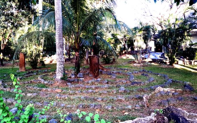 09-garden-of-the-family