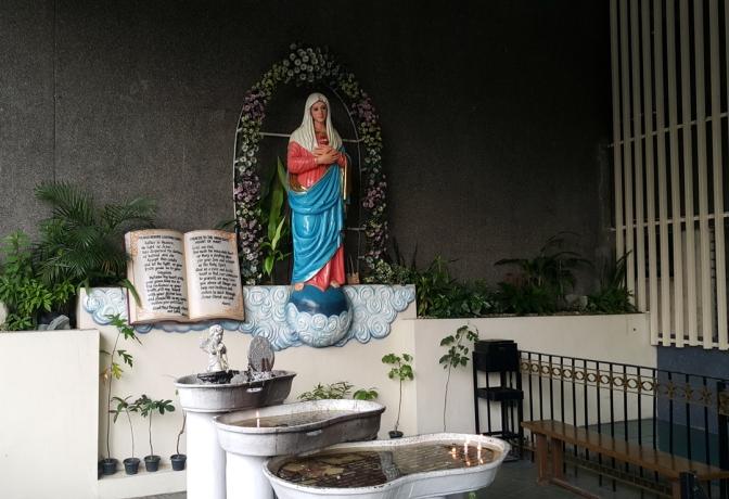 09-patio-marian