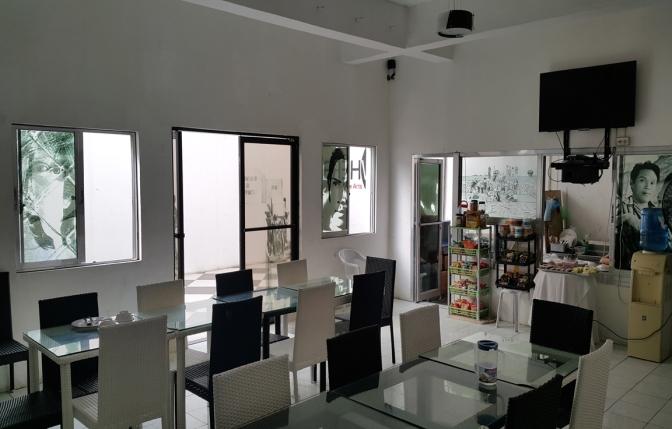 2014 Erehwon Café