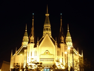 1984 Carlos A. Santos-Viola – Iglesia Ni Cristo Central Temple (co geocities)