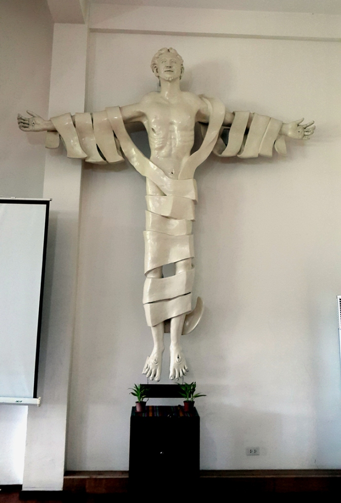 17 Napoleon Abueva - The Risen Christ