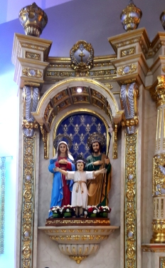 1960s-2003 Holy Family Parish, Altar Sagrada Familia