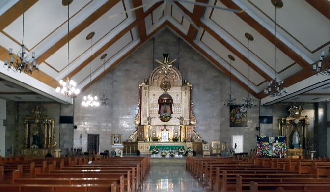 1978 Sto. Nino Parish Shrine, Altar & Nave