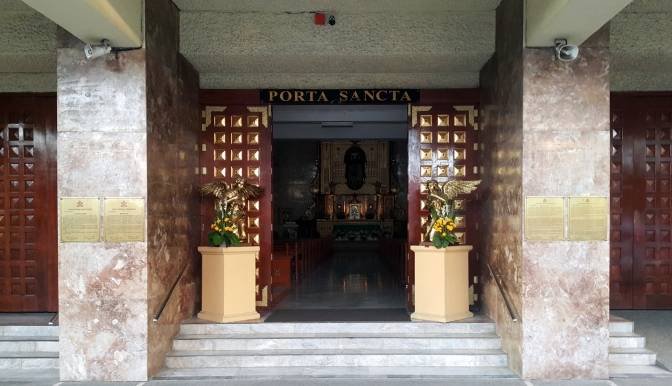 05 1978 Sto. Nino Parish Shrine, Doorway