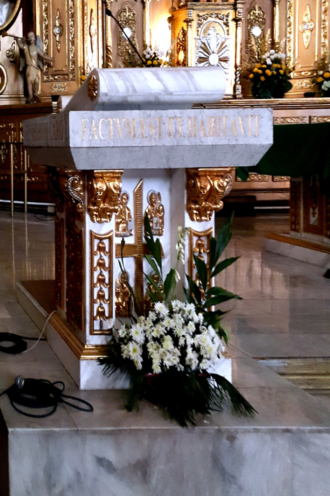 1978 Sto. Nino Parish Shrine, Altar Lectern