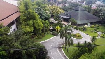 The Oasis Garden, Manila