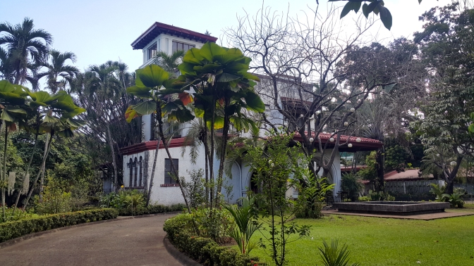 01 1950s Mansion, New Manila
