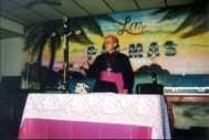 Mgr. Salvador Lazo giving mass