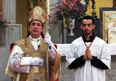 Bishop Alfonso de Galarreta Genua, SSPX (born 1957)