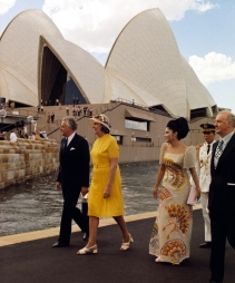 1973 Imelda Marcos with Australian Prime Minister Gough Whitlam & his wife, for the opening of the Sydney Opera House