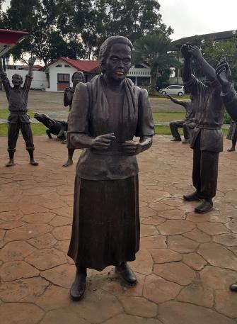 1983 Napoleon Abueva - Sigaw ng Pugad Lawin, Tandang Sora