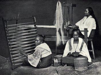 1890s Visayan Piña Weavers