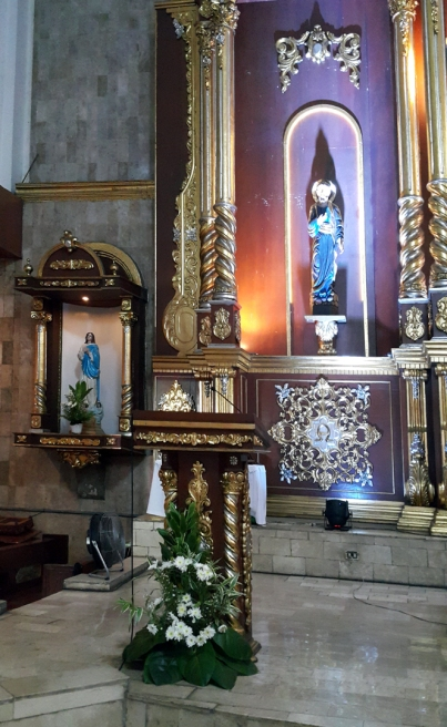 1980 Holy Family Parish Altar, Lectern