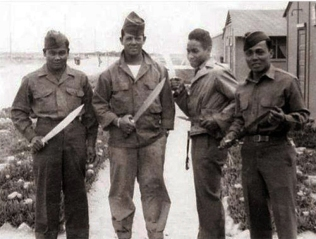 1951 10th Battalion Combat Team brandishing their bolos