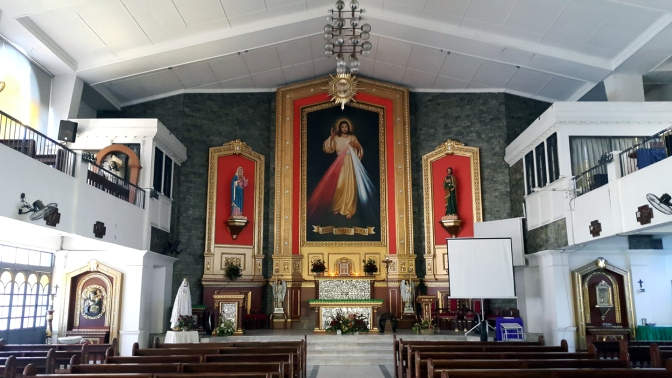 03 1993 Parish of The Lord of Divine Mercy, Altar