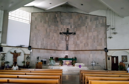 1986 Saint Paul The Apostle Parish Church, Altar