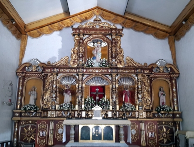 1997 Our Lady of Victories Church, New Manila, Altar