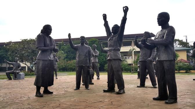 13 1983 Sigaw ng Pugad Lawin by Napoleón Isabelo Veloso Abueva (1930-2018)